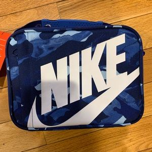 Nike insulated blue camo lunch bag. New w tags